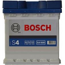 Автомобильный аккумулятор Bosch 6СТ-44 R+ S4 000